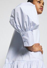 EDITED - RYLEE DRESS - Shirt dress - blau - 5