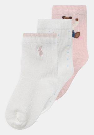 BEAR CREW 3 PACK - Sokken - pink/white