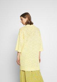 Vila - VIPOCA 3/4 SLEEVE CARDIGAN - Vest - mellow yellow - 2
