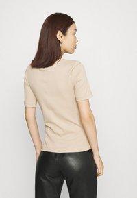 Gina Tricot - JOY - T-shirt basic - oxford tan - 2
