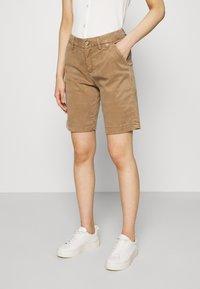 Herrlicher - LOVELY POWERSTRETCH - Shorts - light almond - 0