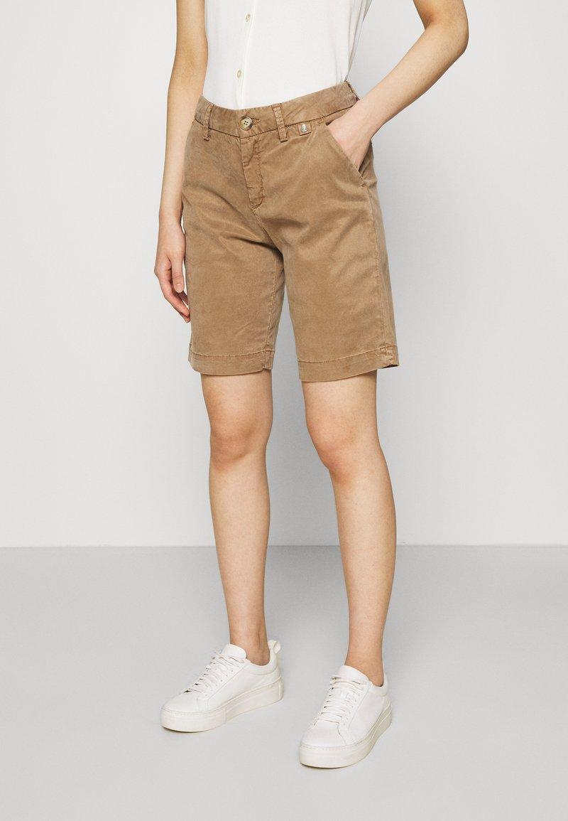 Herrlicher - LOVELY POWERSTRETCH - Shorts - light almond