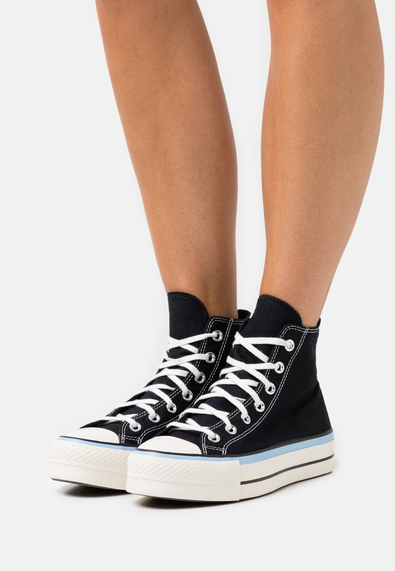Converse - CHUCK TAYLOR ALL STAR FLORAL FUSION PATCH PLATFORM - High-top trainers - black/blue/egret