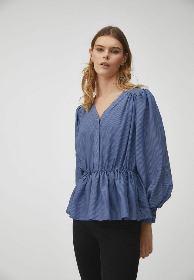 KAROLINAH - Blouse - blue