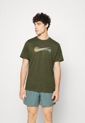 TEE - Print T-shirt - rough green