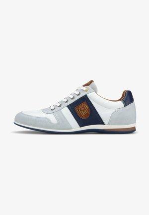 CATANIA - Sneakers laag - weiß