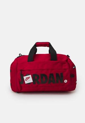 JUMPMAN CLASSICS DUFFLE BAG - Borsa per lo sport - gym red