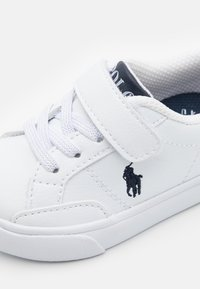 Polo Ralph Lauren - THERON IV UNISEX - Sneakers basse - white/navy - 5