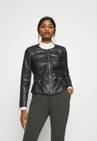 ONLY Petite - ONLJENNY JACKET PETITE - Faux leather jacket - black - 0