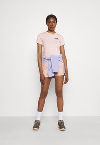 The North Face - CLASS BELTED SHORT  - Pantaloncini sportivi - evenng sand pink - 1