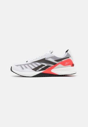 SPEED 21 TR - Sports shoes - footwear white/neon cherry/black