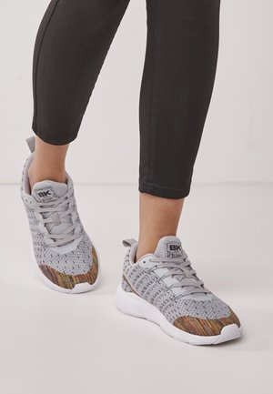 TITAN - Sneakersy niskie - light grey