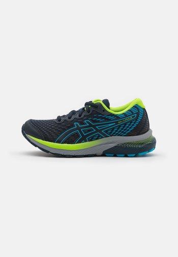 GEL-CUMULUS 22 UNISEX - Neutral running shoes - french blue/hazard green