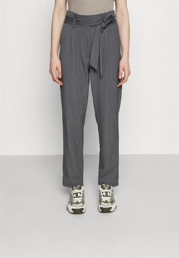 ONLSUNNY PAPERBAG BELT PANT - Kalhoty - dark grey melange