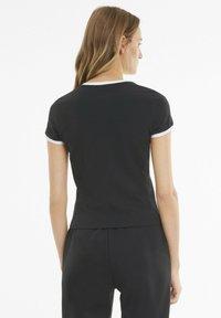 Puma - CLASSICS - T-shirt imprimé - black - 2