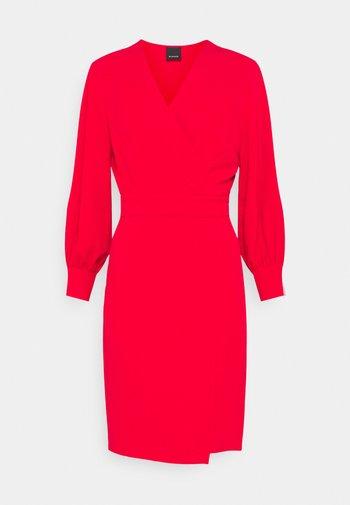 ERIN ABITO TECNICO FLUIDO - Day dress - red