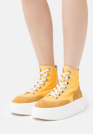 High-top trainers - spectra yellow/spruce