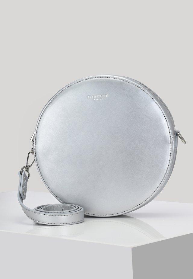 CAPRI  - Across body bag - silver