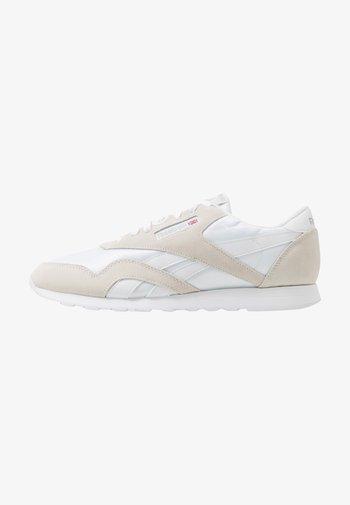 CL NYLON - Sneakersy niskie - white/light grey