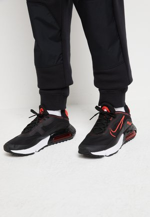 AIR MAX 2090 - Sneakersy niskie - black/chile red