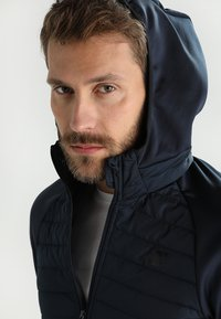 Jack & Jones - JCOMULTI QUILTED JACKET - Outdoorjacke - dark blue - 4