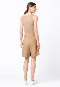 HALLHUBER - Shorts - camel - 2