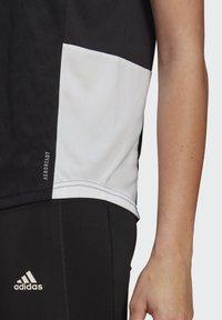 adidas Performance - OWN THE RUN 3-STRIPES ITERATION T-SHIRT - T-shirts med print - black - 5