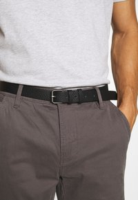 Lindbergh - CLASSIC WITH BELT - Chinos - mid grey - 4