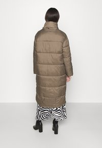 EDITED - OLWEN PUFFER COAT - Winter coat - grün - 3