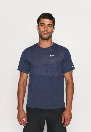 RUN MILER  - T-shirt print - thunder blue