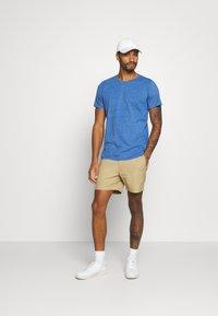 Abercrombie & Fitch - Shorts - khaki - 1