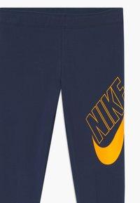 Nike Sportswear - FAVORITES - Leggings - obsidian/university gold - 2