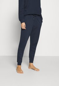 Tommy Hilfiger - FLAG CORE TRACK PANT - Pyjama bottoms - navy blazer - 0