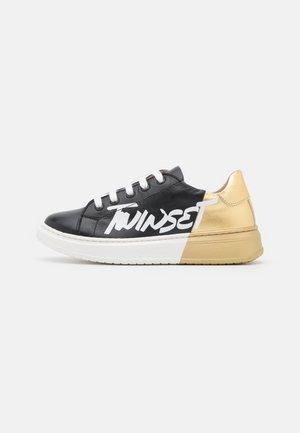 BASSA LAMINATA - Sneakers laag - nero/oro
