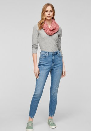 Sjaal - light pink floral aop