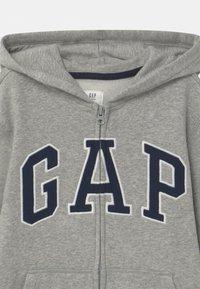 GAP - BOYS ARCH HOOD - Zip-up hoodie - light heather grey - 2