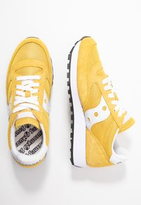 Saucony - JAZZ VINTAGE - Trainers - yellow/white - 3