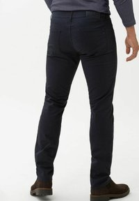 BRAX - CHUCK - Trousers - navy - 2