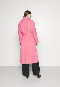 Victoria Victoria Beckham - BRUSHED COAT - Classic coat - candy pink - 2
