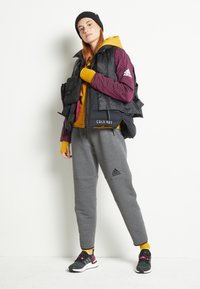 adidas Performance - W ZNE A H C.RDY - Sports jacket - leg gold - 2