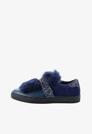 SUTRI - Scarpe senza lacci - blue