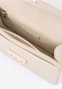 Seidenfelt - Across body bag - beige - 4
