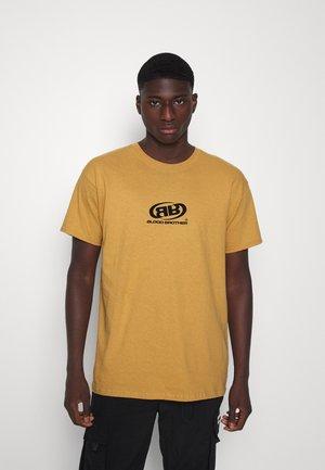 PERINI BRANDED UNISEX - Camiseta estampada - old gold