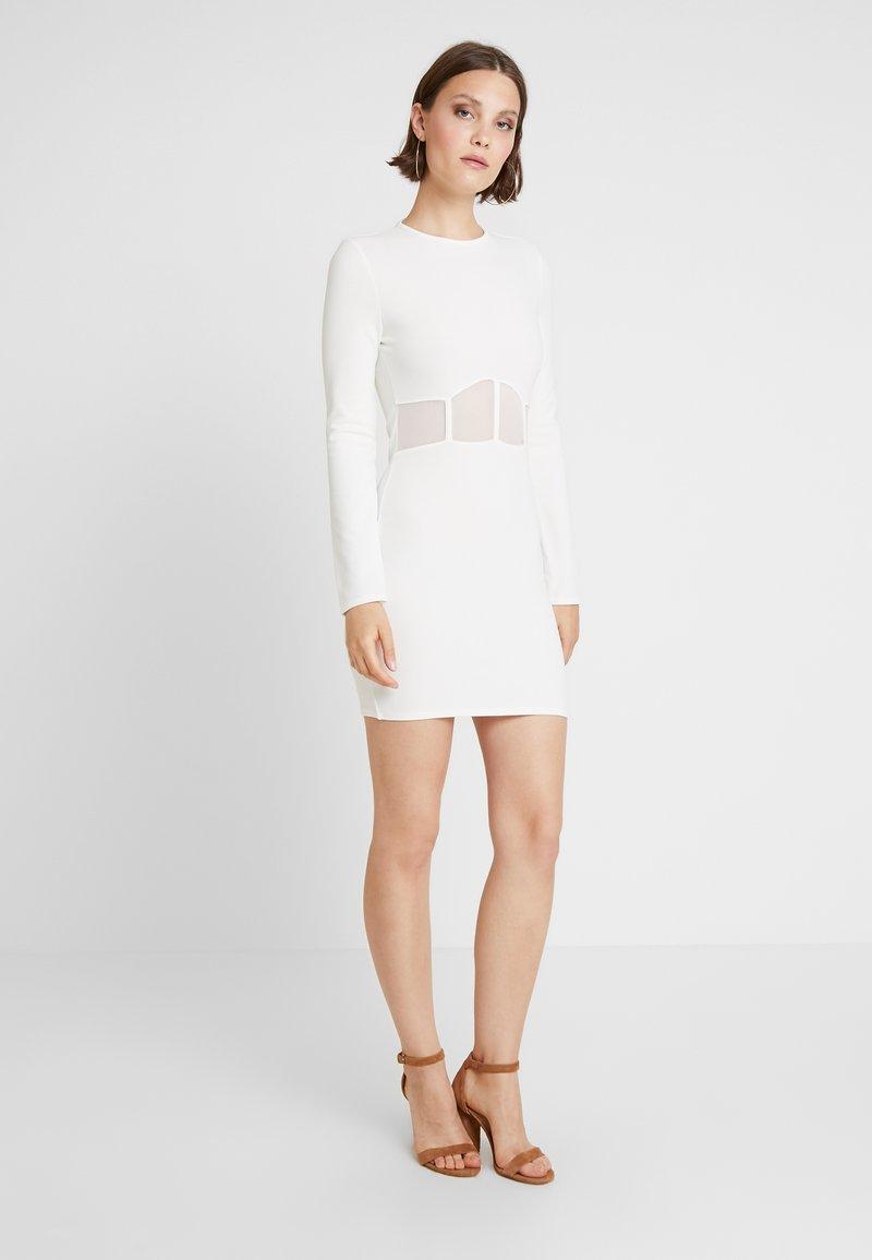 Missguided - WAIST BODYCON MINI DRESS - Shift dress - white