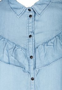 Zizzi - MIT RÜSCHEN - Button-down blouse - light blue - 4