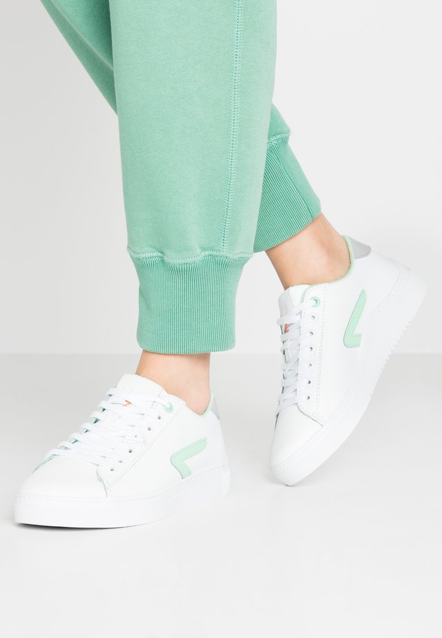 HOOK - Sneakers laag - white/neo mint
