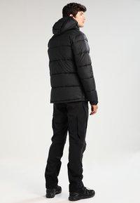 Columbia - PIKE LAKE HOODED JACKET - Winter jacket - black - 2
