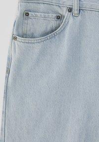 PULL&BEAR - Relaxed fit jeans - light-blue denim - 6