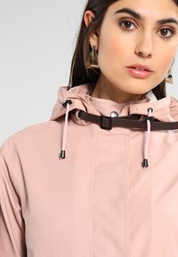 Ilse Jacobsen - TRUE RAINCOAT - Parka - adobe rose - 3