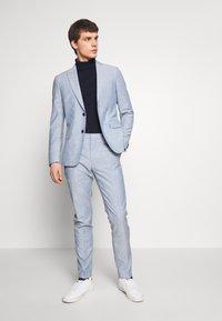Calvin Klein Tailored - TROPICAL SLIM SUIT - Suit - blue - 0